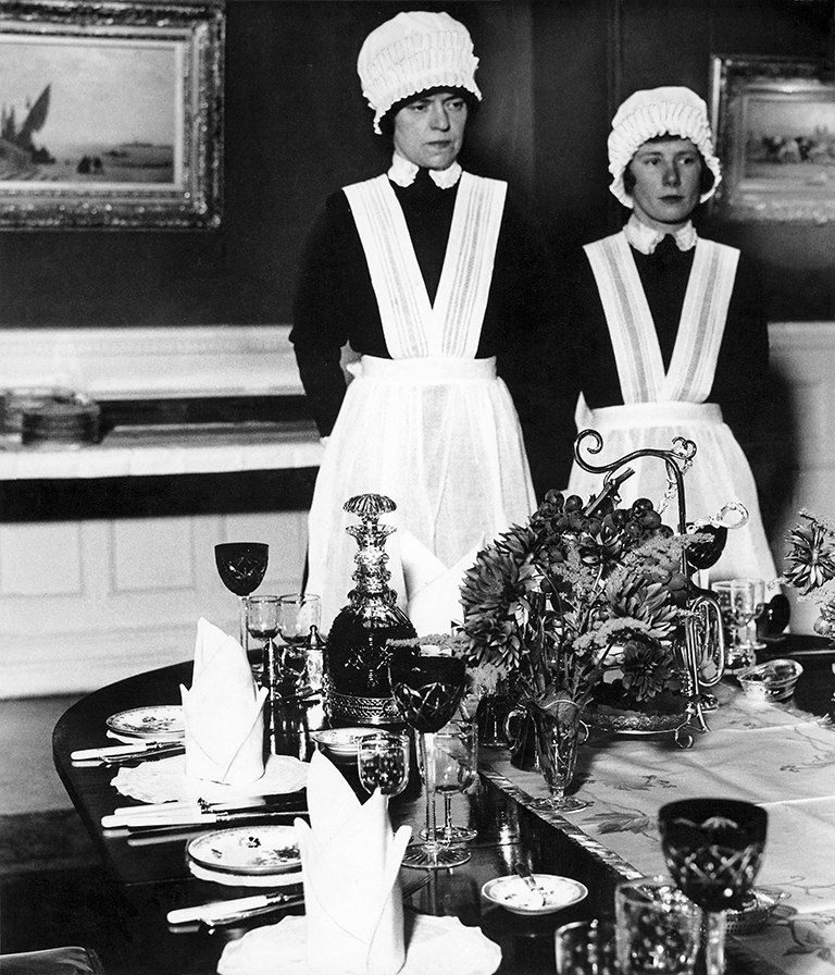 Parlourmaid and Under-parloumaid. Ready to Serve Dinner - Bill Brandt
